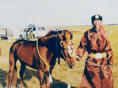 Аймгийн Алдарт уяач Д.Чулуунбаатар: Хонгор азарганы маань долоон төл бүс, аймаг, сумын наадамд түрүүлж айрагдсан