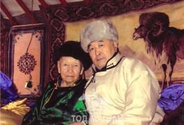 Насаараа наадмын гал тогоо барьсан ээж минь 94 насыг насалсан