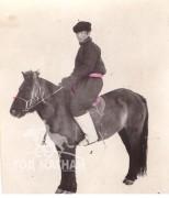 1976 оны өвөл ногоон морьтойгоо