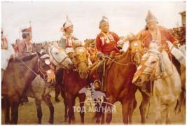АХ-ын 62 уил, Төв аймгийн түүхт 60 жилийн ойн баяр наадмын айргийн тавд хурдалсан Ногоон морь