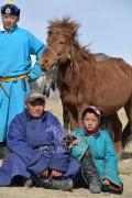 УЯАЧ Х.ТҮВШИНБОЛД: Хээр морь маань хоёр сумын ойд түрүүлж, аймгийн наадамд аман хүзүүдсэн