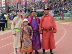 Монгол улсын Манлай уяач О.Батболд: Xээр азарга аман хүзүүдэхдээ дандаа эрлийзийн ард орсон байдаг