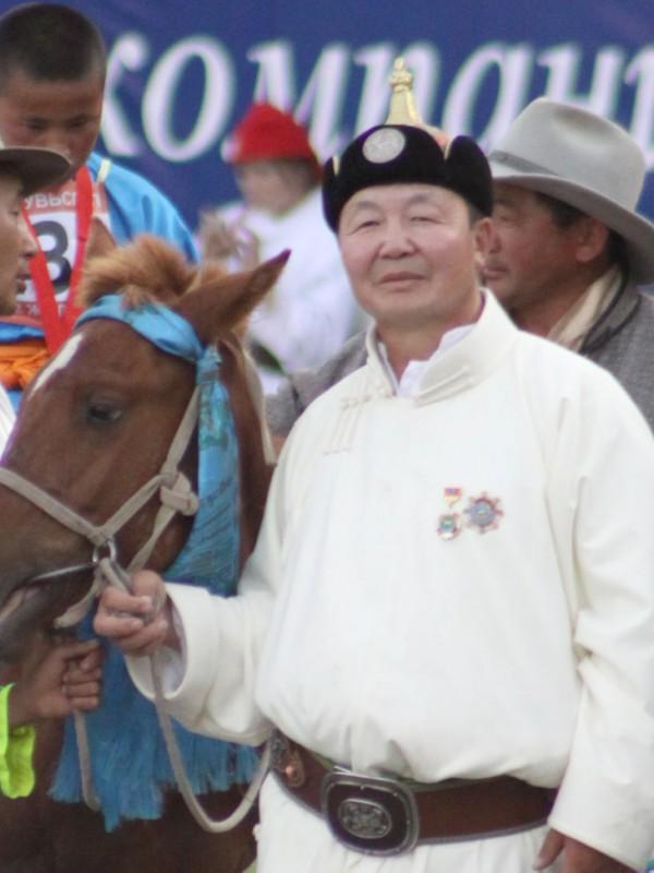 Монгол улсын манлай уяач Батмөнх
