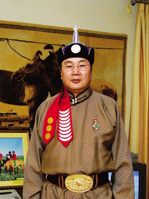 Монгол улсын манлай уяач Энхбат