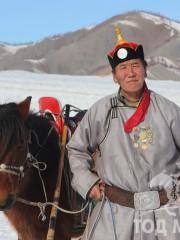 Монгол улсын алдарт уяач Зоригт