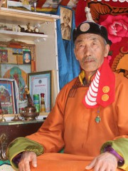 Монгол улсын алдарт уяач Усны-Эх