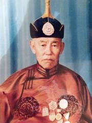 Монгол улсын алдарт уяач Лхамсүрэн