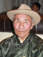 Монгол улсын алдарт уяач Дондов