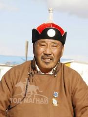 Монгол улсын алдарт уяач Сэрчинсэнгэд